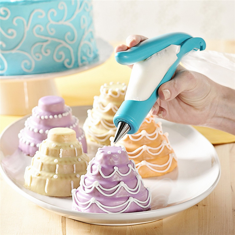 Как украсить торт кондитерским мешком в домашних условиях